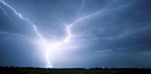iStock_lightning23476347.jpg.800x600_q96